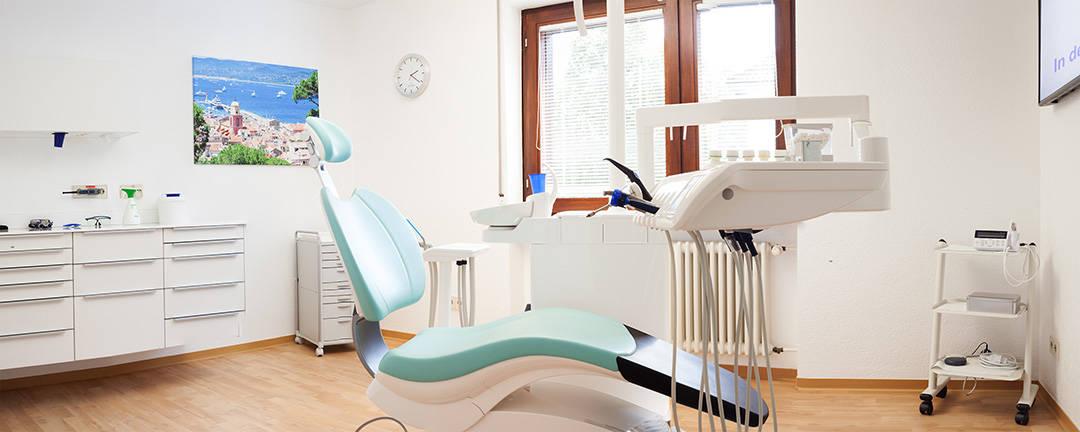 zahnarztpraxis heil & mayer in lauchringen bei waldshut modernes behandlungszimmer